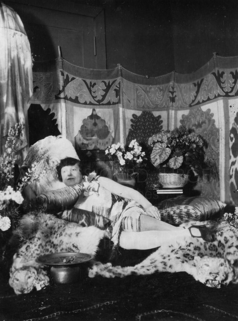 "Die Mutter, Marie-Albertine (""Moussia""), geb. Noir"