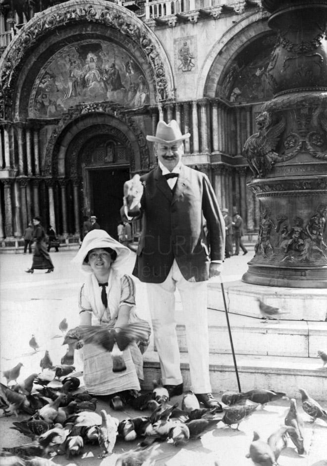 Die Eltern während einer Reise nach Venedig.