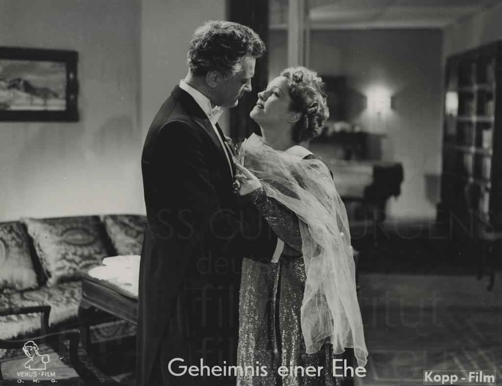 GEHEIMNIS EINER EHE (1951)