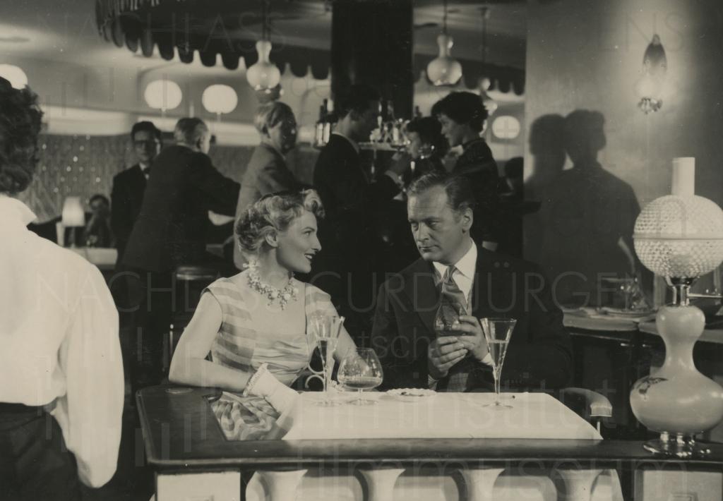 MAN NENNT ES LIEBE (1953)