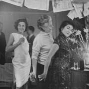 FERRY TO HONG KONG (1959)