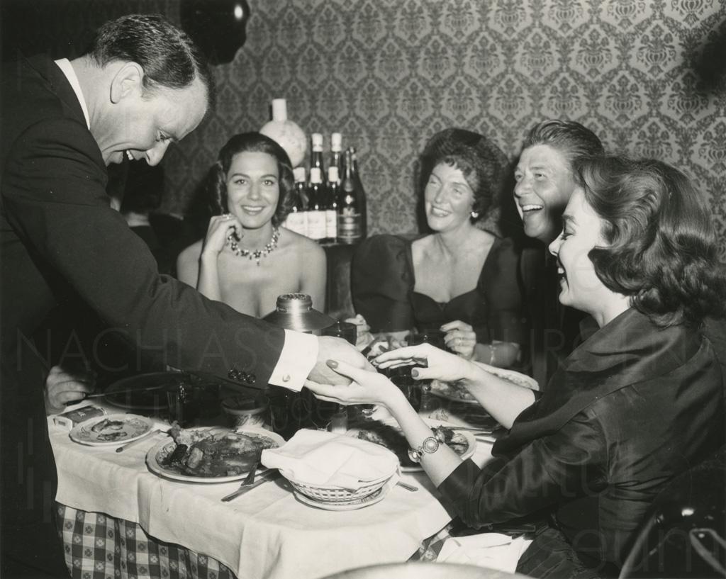 Curd Jürgens mit Ronald Reagan und Frank Sinatra