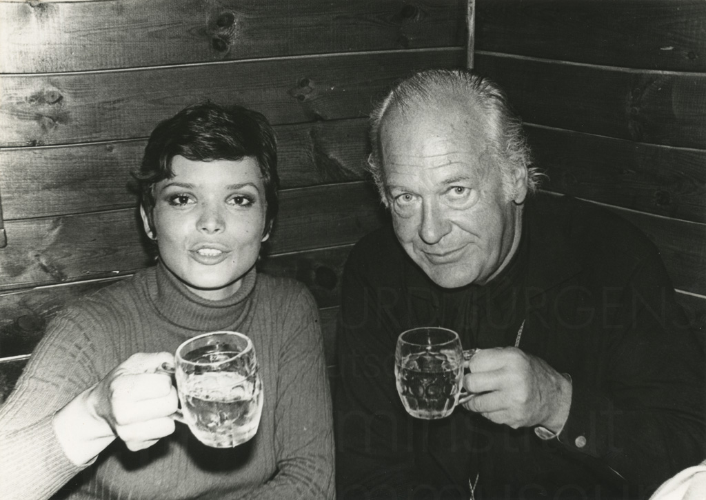 Curd Jürgens mit Uschi Glas