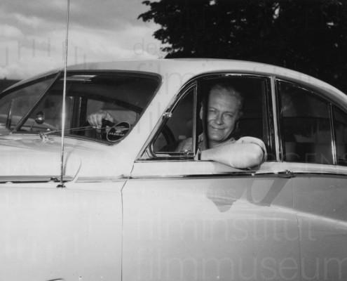 PR-Foto mit Jaguar, 1954